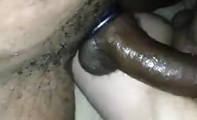 Negro cazzuto sfonda il culo della milf italiana